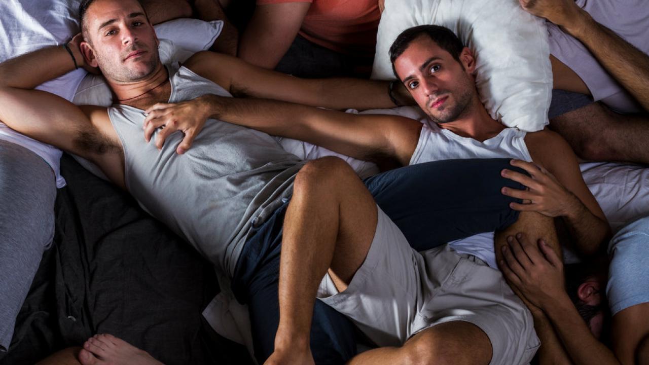 τραχύ ζεστό γκέι σεξ