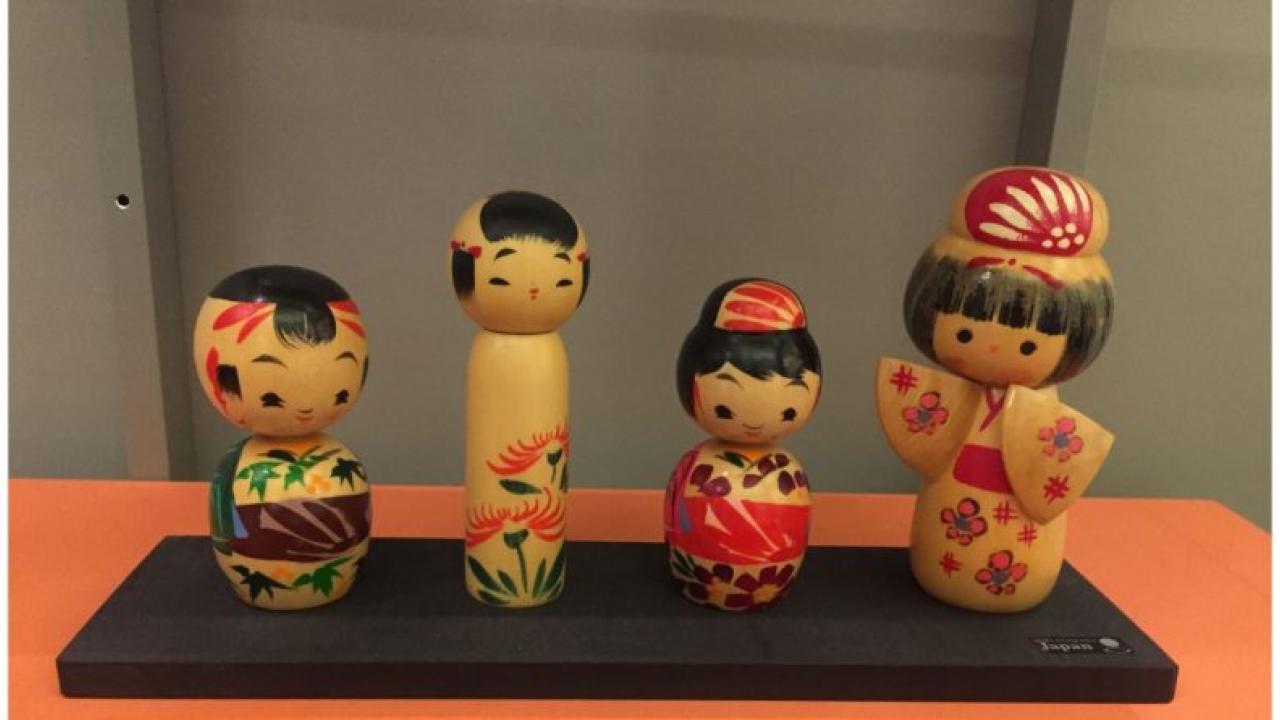 Αποτέλεσμα εικόνας για παραδοσιακές κούκλες και παιχνίδια στο μουσείο Μπενάκη