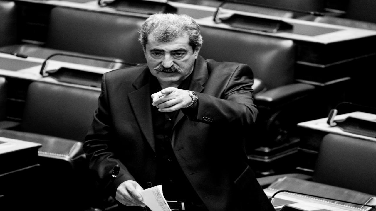 Παύλος Πολάκης: «Πίσω ρε Νταβέλη που θα στείλεις και εξώδικο πως σε προσβάλλαμε!»