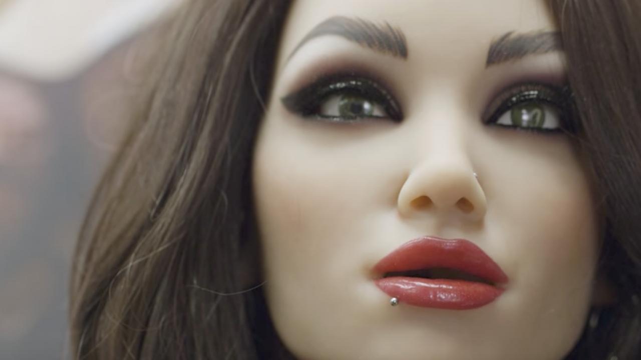 ρεαλιστικές μαύρες κούκλες σεξ cum στο στόμα πίπα βίντεο