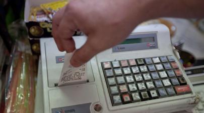 6873d3cc946e Μεγάλη επιχείρηση κατά της φοροδιαφυγής σε καταστήματα με φτηνά ρούχα